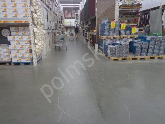 трещины в бетонном полу  топпингом